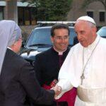 Pape François et une Petite Soeur, à Washington en Septembre 2015