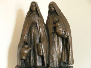 sculpture de jeanne jugan quêteuse
