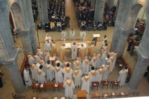 choeur de la chapelle des Petites Soeurs des Pauvres à St Pern, pendant la messe