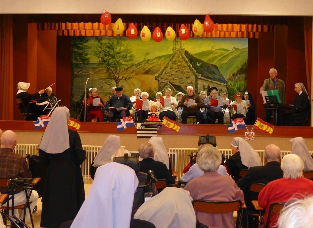 chorale de personnes âgées