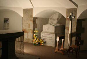 crypte où se trouve le tombeau de sainte Jeanne Jugan