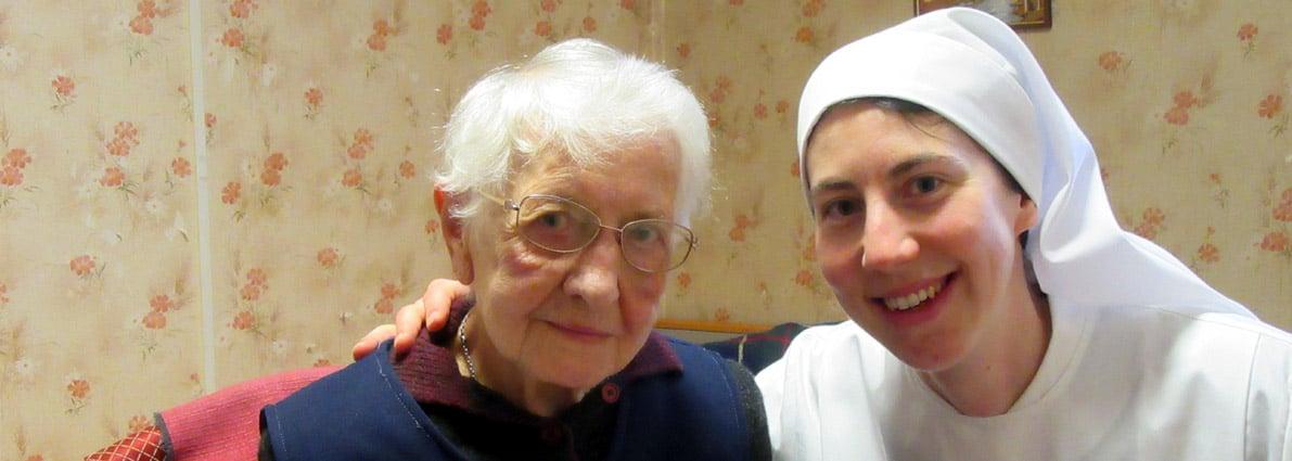 novice avec personne âgée