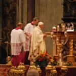 Pape Benoit XVI lors de Messe de la Canonisation de Jeanne Jugan