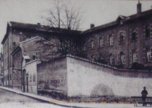 Histoire de ma Maison des Petites Sœurs des Pauvres de Lyon Croix-Rousse: Façade initiale de la Maison