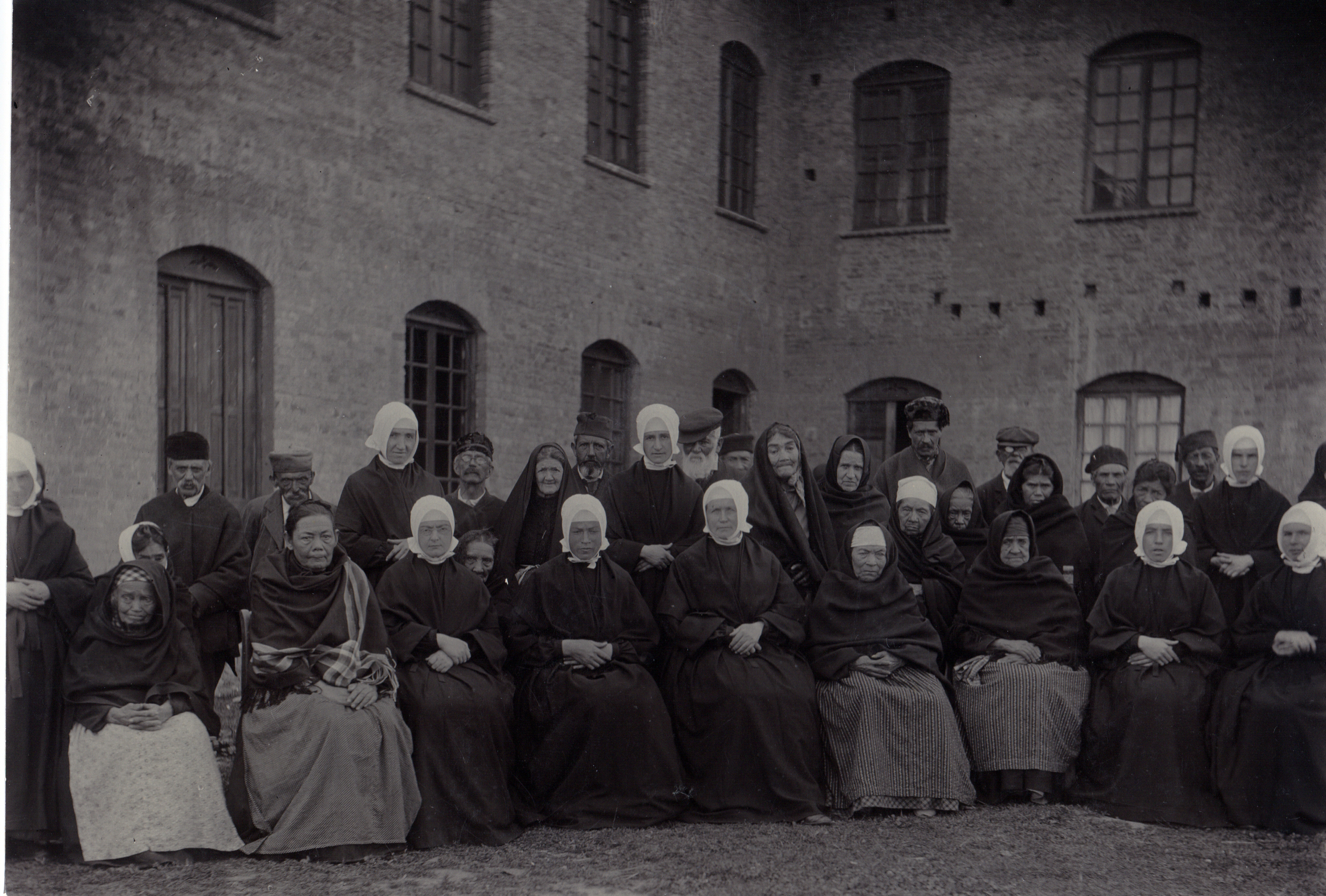Les premières personnes âgées et les Petites Sœurs