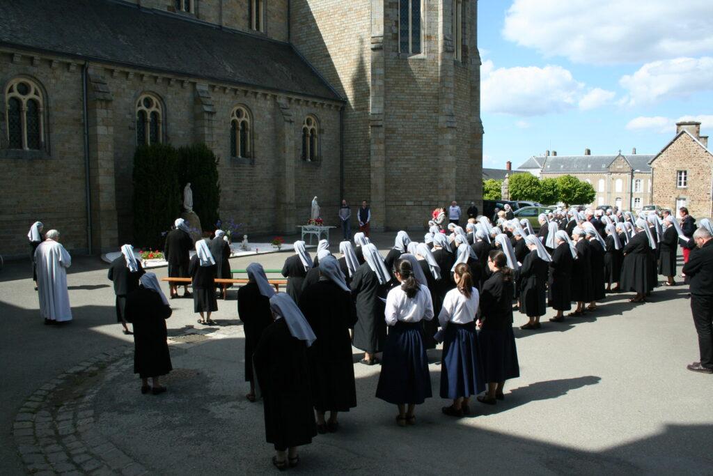 La Tour procession mariale